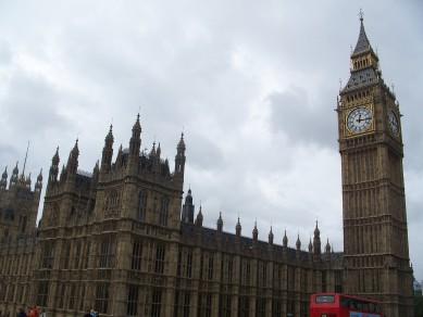 UK-Big_ben_i_house_of_commons_londres_2008.JPG-Wikimedia-Commons-Carlesmari